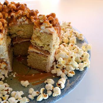 Торт с попкорном