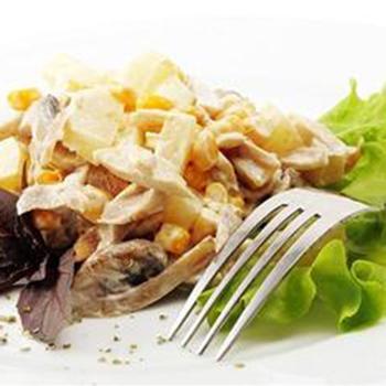 Салат из курицы с картофелем