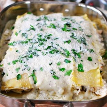 Лазанья зі шпинатом і кисломолочним сиром