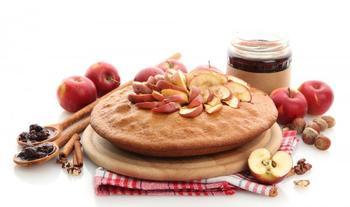 Быстрый яблочный пирог с медом