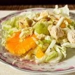 Салат з китайської капусти з куркою і апельсинами