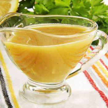 Медово-гірчична заправка для салату