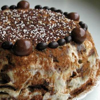 Шоколадно-банановий торт з пряників