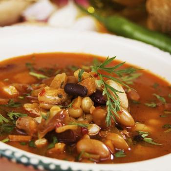 Квасолевий суп із чилі