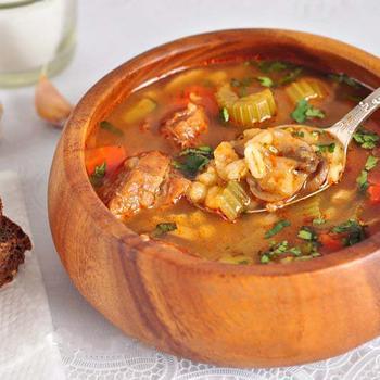 М'ясний суп із сиром і перловкою