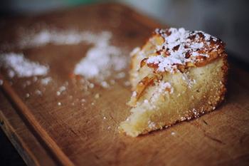 Яблучний пиріг до чаю