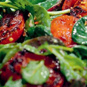 Салат зі смаженими томатами
