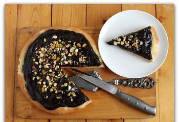 Пицца с темным шоколадом