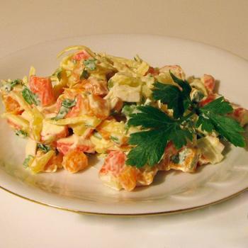 Морквяний салат з крабовими паличками
