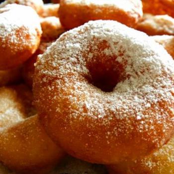 Пончики из рикотты с лимонной цедрой