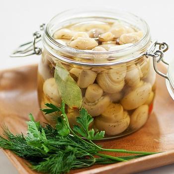 Грибы, маринованные в оливковом масле