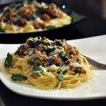 Тушеные куриные сердца со спагетти