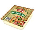 Сир Ферма Моцарелла брикет 45% 200г - купити, ціни на Фуршет - фото 1