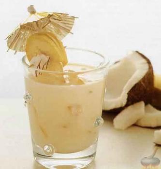 Теплий мілкшейк з кокосом і кардамоном