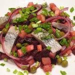 Салат из сельди с овощами и яблоком