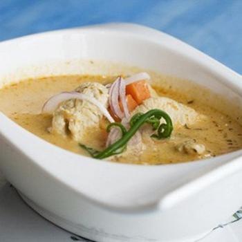 Курячий суп з диким рисом і плавленим сиром