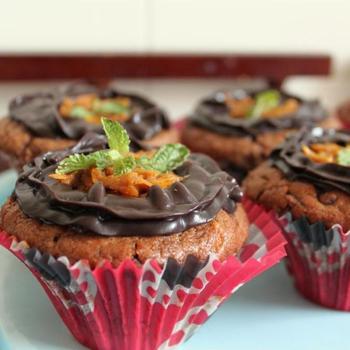 Шоколадно-апельсиновые маффины с шоколадным ганашем