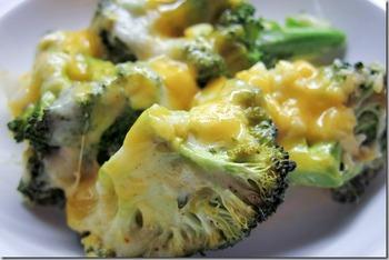 Брокколи с муссом из сыра