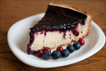 Сирний пиріг з чорницями