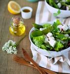 Салат с редисом и сыром фета