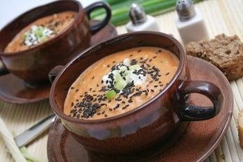 Лососевий суп із кунжутом