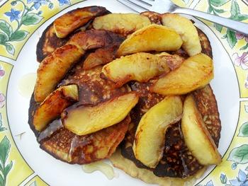 Яблочно-банановые оладьи