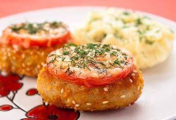 Котлети із індички з сиром і помідорами