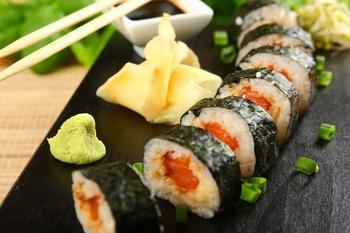 Маки-суши с тунцом