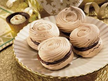 Ореховые меренги с шоколадом