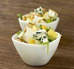 Фруктово-овощной салат с голубым сыром