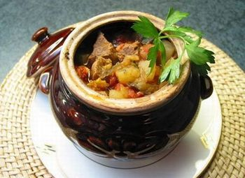 Суп в горшочках с мясом и овощами