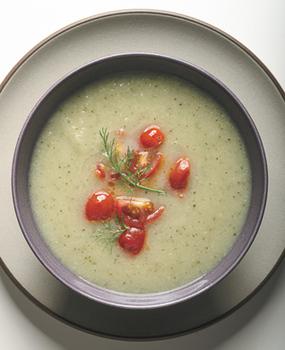 Суп из цукини с томатной приправой