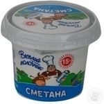 Сметана Веселый молочник 15% 220г Украина