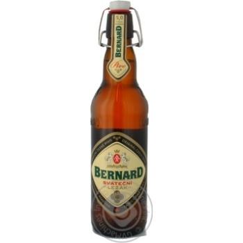 Пиво Бернард Сватечні Лежак світле скляна пляшка 5%об. 500мл Чехія