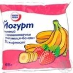 Йогурт Повна Чаша с наполнит клубника банан 1% п/э 400г