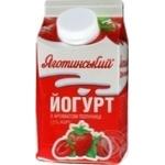 Йогурт Яготинский с ароматом клубники 1,5% 450г