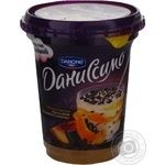 Dessert Danone Danissimo Peach-Passion fruit with chocolate pieces 5.7% plastic cup 340g Ukraine
