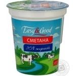 Сметана Изи энд Гуд 20% пластиковый стакан 400г Украина