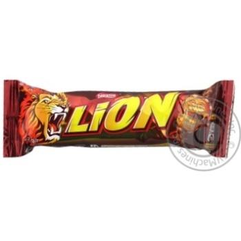 Батончик шоколадный Nestle Lion с карамелью 42г - купить, цены на Novus - фото 1